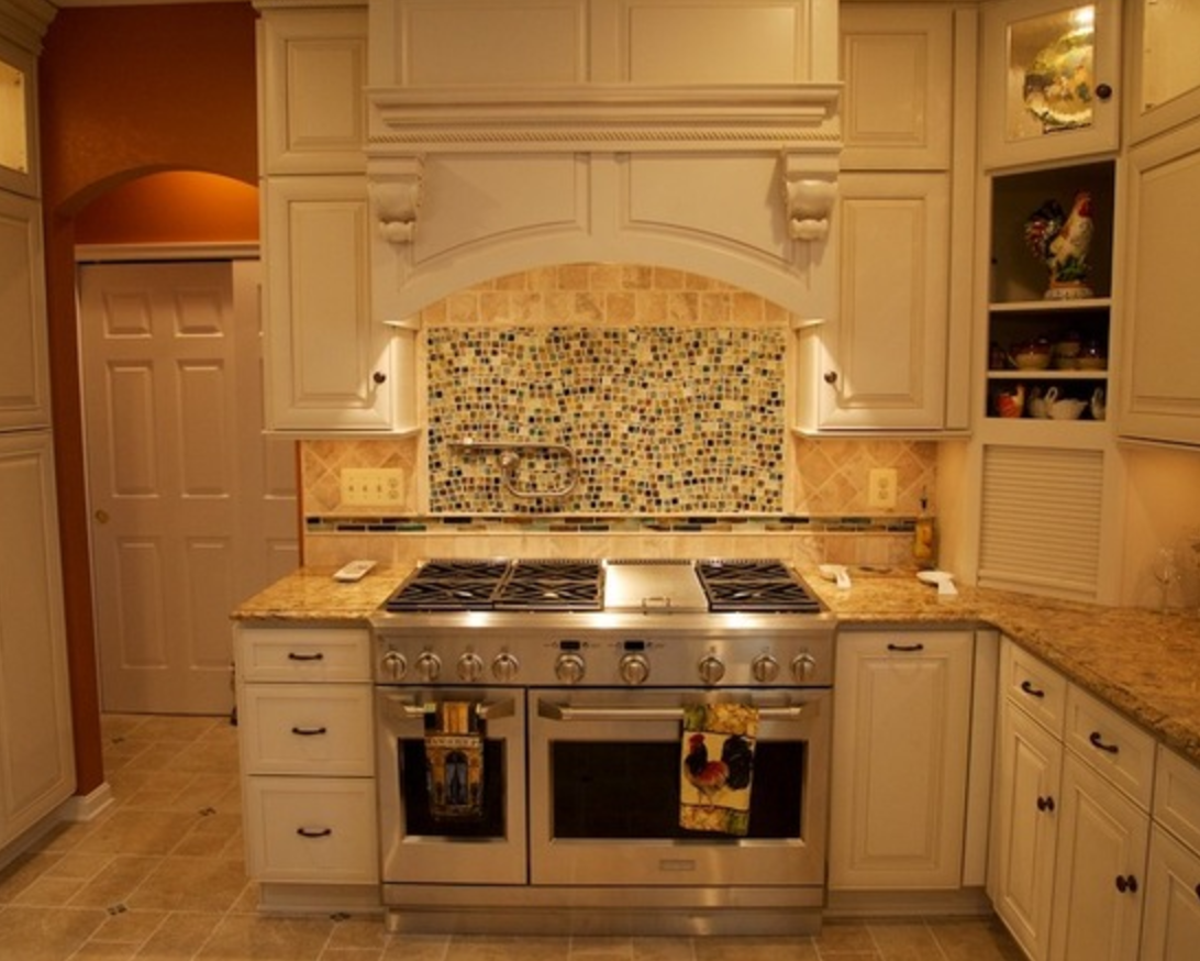 Remodeling Contractor, Remodeled Kitchens Pasadena, Bathroom Remodel in Annapolis Maryland with tiled backsplash